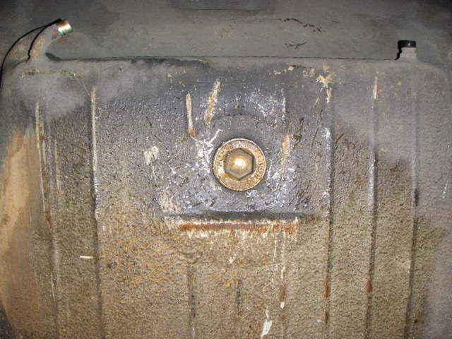 Drain Plug on 2002 Isuzu Npr Transmission Fluid
