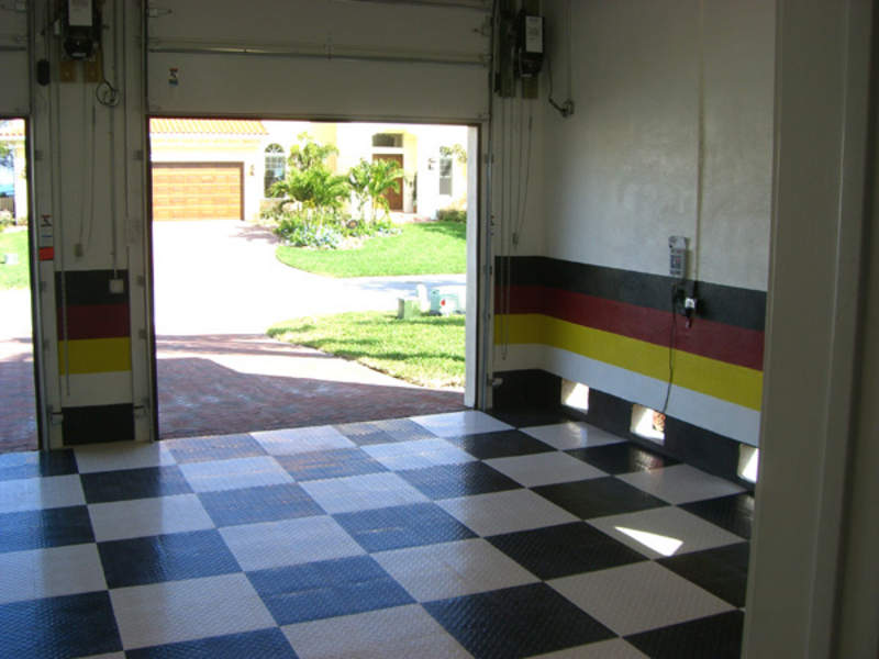 Painting garage any ideas pelican parts technical bbs - Garage door painting ideas ...