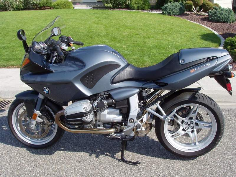 bmw motorcycles bmw r1100s royalty free pictures. Black Bedroom Furniture Sets. Home Design Ideas