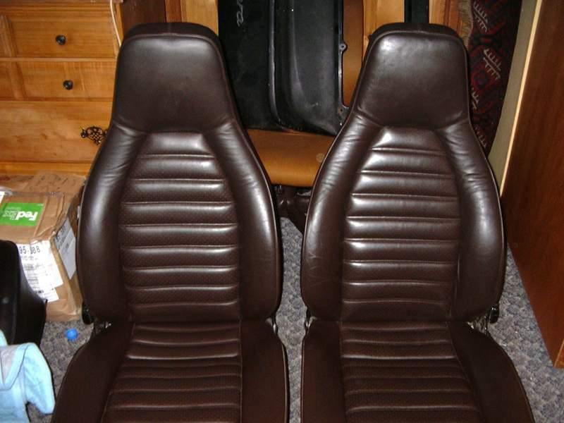 Brown Leather And Blue Leather Quot Tombstone Quot Seat Sets