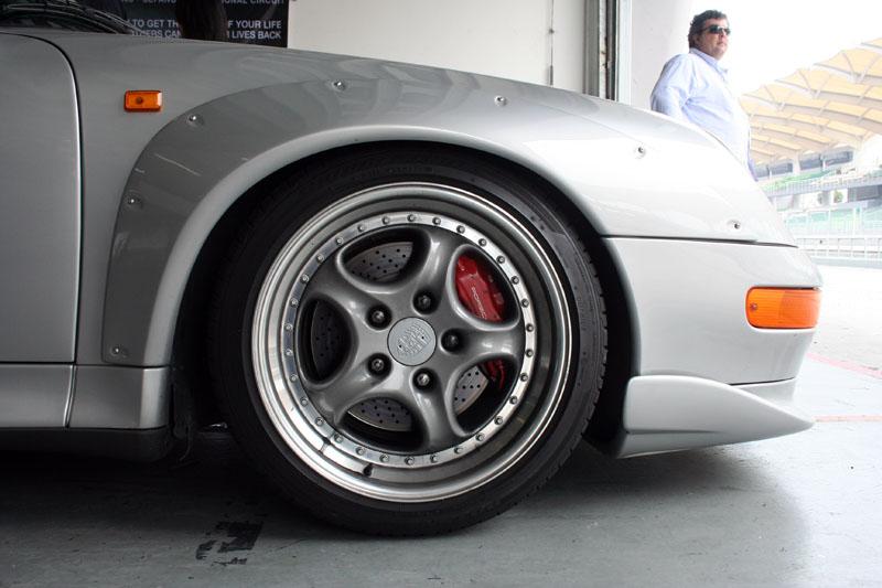 porsche 911 gt2 wheel porsche 911 gt2 wheel us fanatec. Black Bedroom Furniture Sets. Home Design Ideas