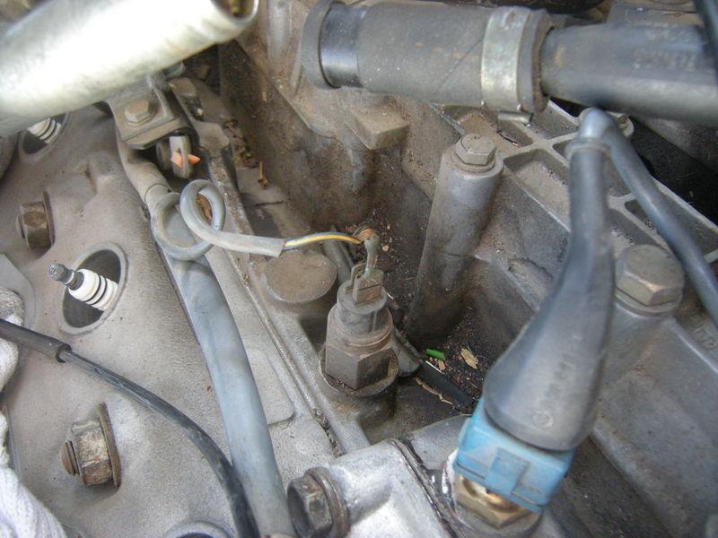 One connector on DME temp sensor? - Pelican Parts Forums