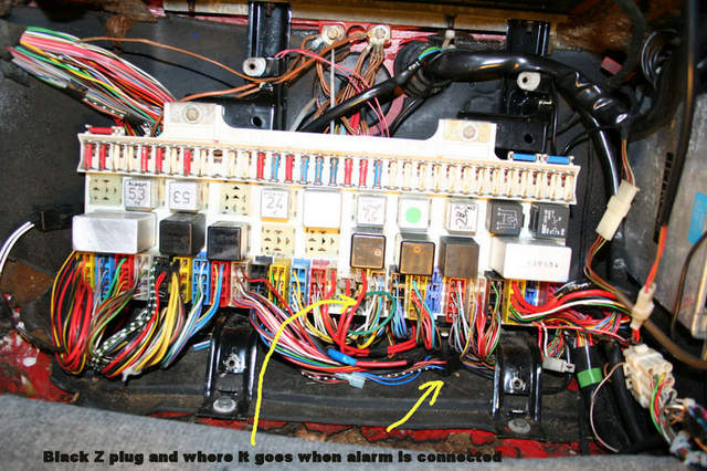 84+fuse+panel+z+plug+illustrated1292108101 alarm hella system activated pelican parts technical bbs 1984 porsche 928 fuse box location at readyjetset.co