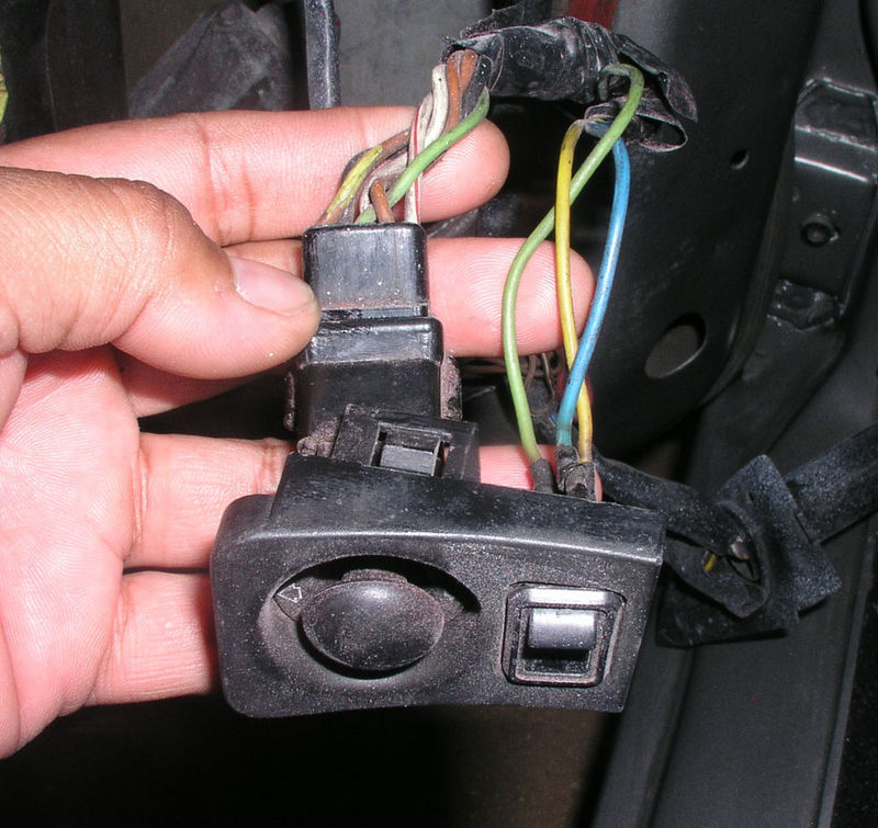 P10100031304476634 79 euro mirror joystick wiring pelican parts technical bbs 1978 porsche 928 engine wiring diagram at panicattacktreatment.co