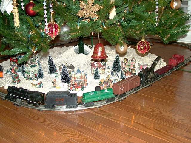 Trains around the Christmas tree - Page 2 - Pelican Parts ...