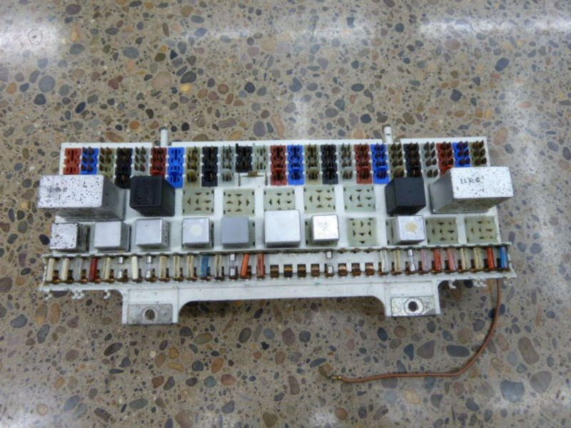 fs porsche 928 central electric board system relay fuse box pelican parts technical bbs