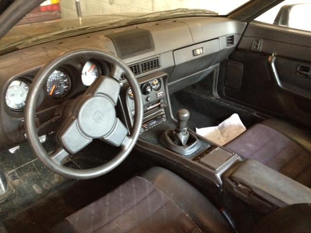 Factory 944 steering wheel 19831985 clean  Pelican Parts