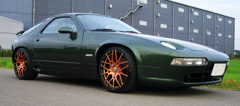 pic of a very nice green 928 - Pelican Parts Technical BBS