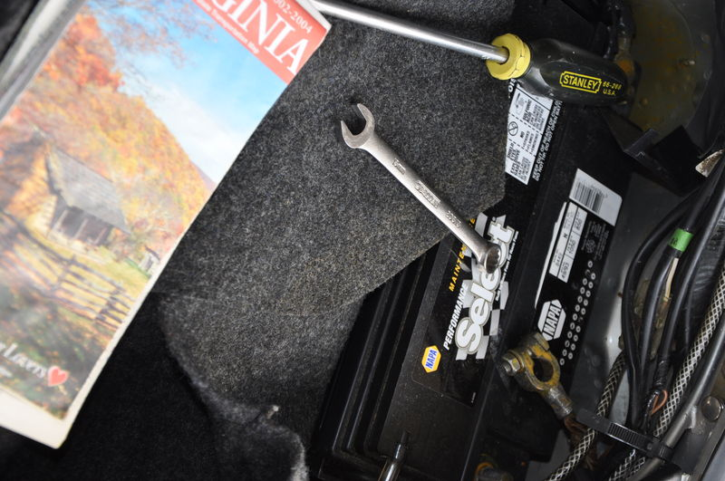 Replacing cover on alternator wiring harness - Pelican Parts ... on
