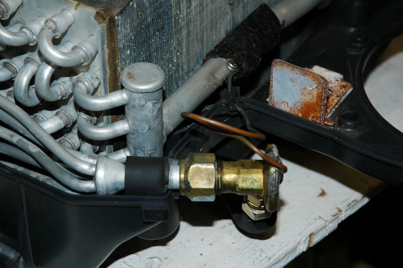 Location of A/C vacuum reservoir in 924S? - Page 2 - Pelican