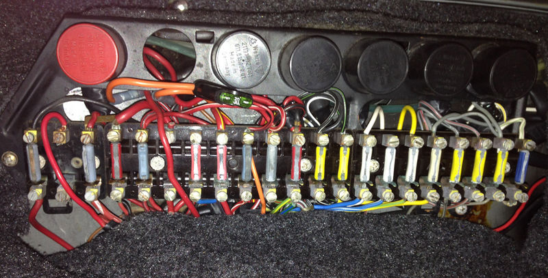 1980 911sc fuses pelican parts technical bbs here s the fuse box