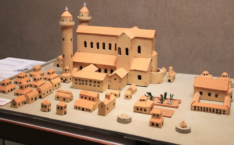 Rebuilding Medieval City with Only Medieval Tools - Pelican