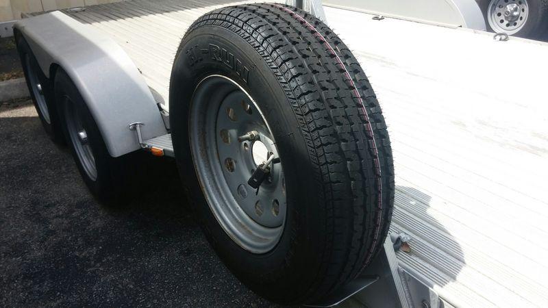 Mobile Tire Service >> 2005 Featherlite 3111 car hauler $4500 - Pelican Parts Forums