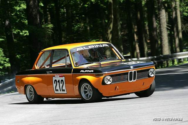 Some great racing 2002 pictures pelican parts forums for Garage bmw bayern marignane