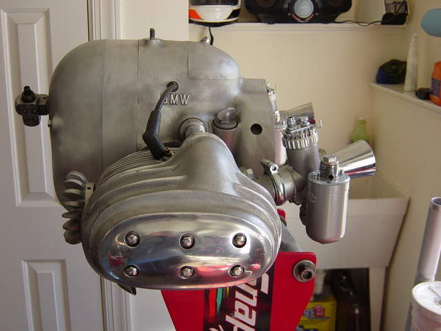 http://forums.pelicanparts.com/uploads6/Rennsport+Replica+Engine+0011136429287.jpg