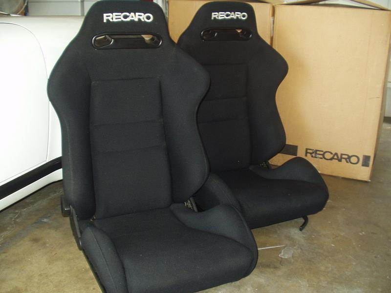 VWVortex.com - Are Corbeau A4 seats the same as Recaro SRD ...