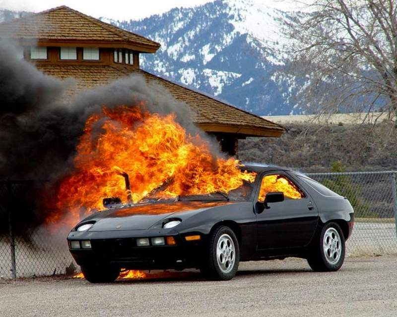 203965742 Ch ioncalibraciondebujias moreover Carrera 1987 Jubile Xml 282 353 1974 likewise Reborn Porsche 928 additionally Voiture collection together with Evolution. on porsche 928 s4