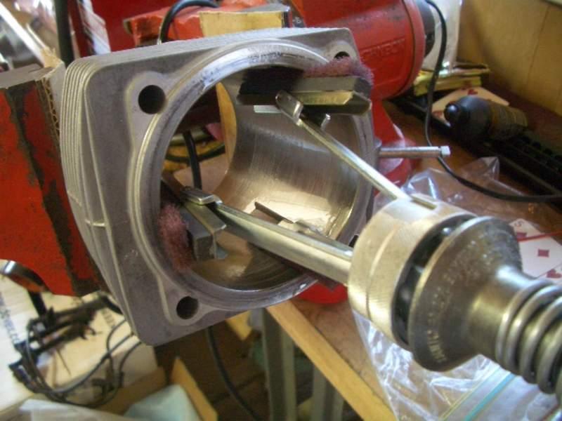 Pictures of De-glazing my 3 2 Carrera Cylinders - Pelican