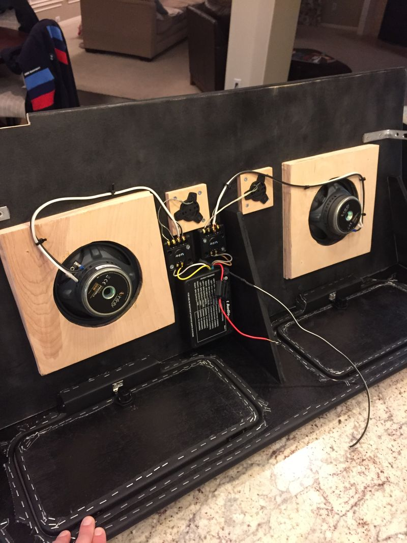 Non Ugly Fake Vintage Bluetooth Headunits Page 5 Pelican Porsche Cdr 24 Wiring Modified With Components